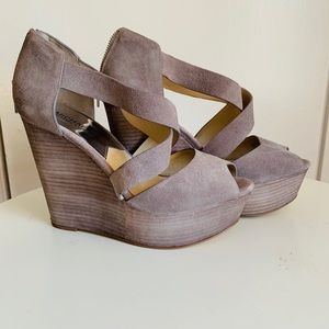 Preowned designer shoes